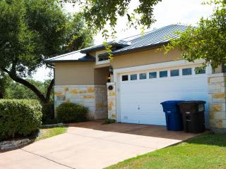SA Vacay - Luxurious Hill Country Townhome. - San Antonio vacation rentals