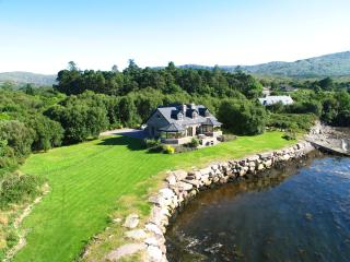 Incredible location right on the water in Kenmare - Kenmare vacation rentals