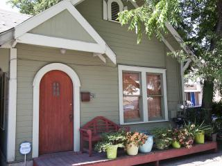 Downtown Austin 2 blocks from Whole Foods - Austin vacation rentals