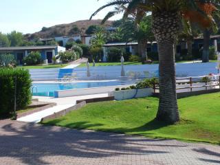 Bilocale stile eoliano in residence con piscina - Isola Vulcano vacation rentals