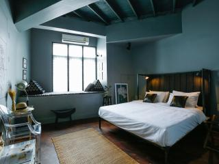 Lovely Double room near the Grand Palace - Bangkok vacation rentals