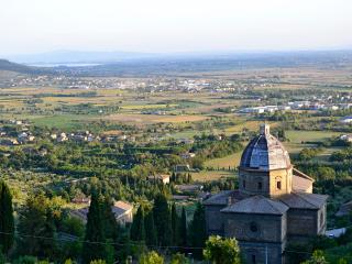 Appartamento Luna-great view & beautiful position - Cortona vacation rentals