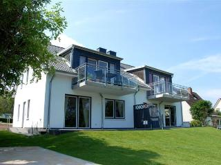 Perfect Condo with Deck and Satellite Or Cable TV in Heiligenhafen - Heiligenhafen vacation rentals