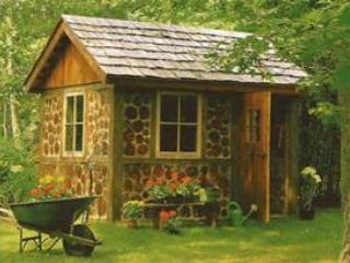 Romantic 1 bedroom Framingham House with Clothes Dryer - Framingham vacation rentals