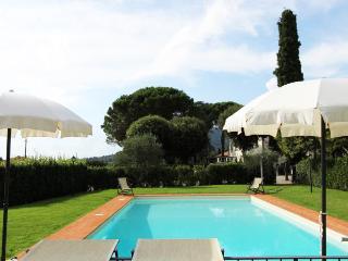 Appartamento Il Girasole-ideal for a family trip - Pergo di Cortona vacation rentals