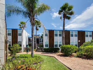 Cozy condo for 8 - beachfront, ocean views, shared pool! - Port Isabel vacation rentals