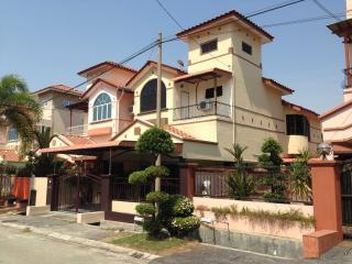 Soon Yun Homestay Ipoh - No. 46 - Kampung Kepayang vacation rentals