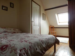 Nice 2 bedroom Gorron Gite with Internet Access - Gorron vacation rentals