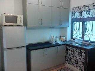 Cozy 3 bedroom Sungai Buluh House with Microwave - Sungai Buluh vacation rentals
