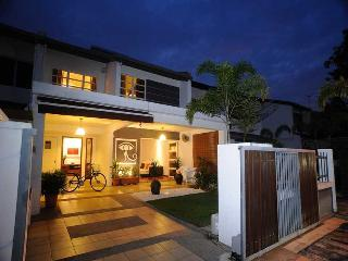Comfortable Condo with Internet Access and Microwave - Sungai Buluh vacation rentals