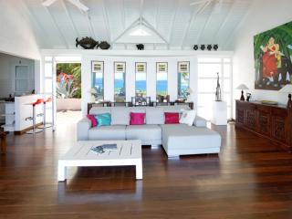 DOLCE VITA... 2 BR with breathtaking views over Orient Bay ... Sweet Villa!! - Orient Bay vacation rentals