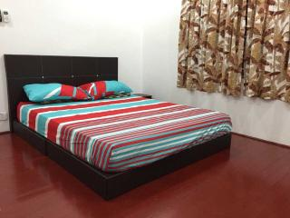 Comfortable House with Parking and Microwave - Melaka vacation rentals