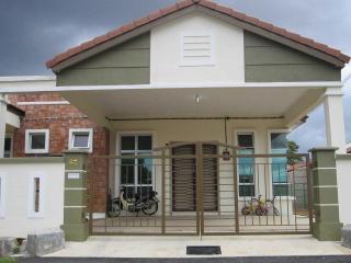 Nurul Homestay (For Muslim) - Ayer Keroh vacation rentals