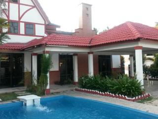 Comfortable House with Microwave and Parking - Tampin vacation rentals
