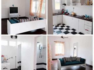 Comfortable Condo with Parking and Washing Machine - Kampung Bukit Katil vacation rentals