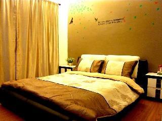 Cozy Condo in Melaka with DVD Player, sleeps 8 - Melaka vacation rentals