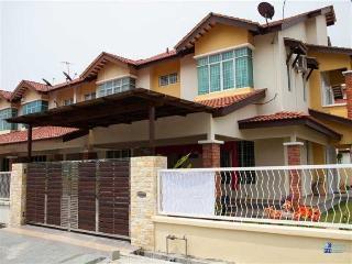 FL Bridal Homestay - Bukit Mertajam vacation rentals