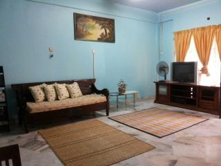 Comfortable Seberang Jaya vacation Condo with Washing Machine - Seberang Jaya vacation rentals