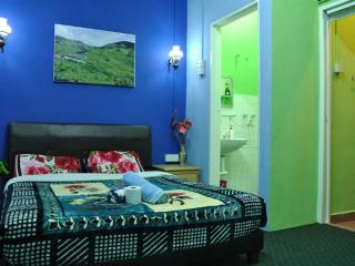 Lovely House with Internet Access and Satellite Or Cable TV - Batu Gajah vacation rentals