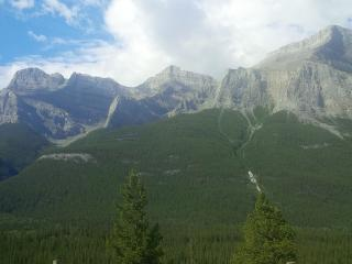 3 Bdr. Townhome in the Canadian Rockies - Canmore vacation rentals