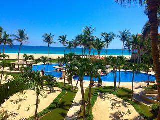 Ocean Front  Condo Las Mañanitas 205 - San Jose Del Cabo vacation rentals