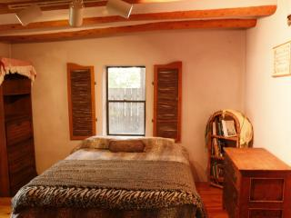 Peaceful Adobe Charm. Walk to Seco Village! Pet OK - Arroyo Seco vacation rentals