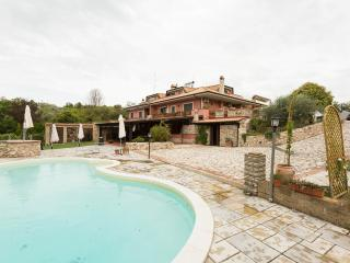 Lovely 3 bedroom Rome Bed and Breakfast with Internet Access - Rome vacation rentals