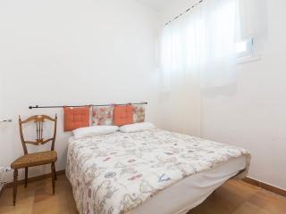 economy centre vatican - Rome vacation rentals