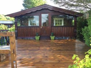 Nice Cabin with Deck and Mountain Views - Bronaber vacation rentals