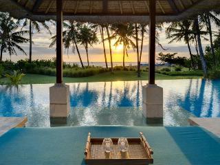 Villa Arika Bali Beachfront Canggu  luxury 4 bdrm - Canggu vacation rentals