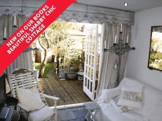 Shabby Chic Cottage at Pwllheli ideal for Sailing! - Pwllheli vacation rentals