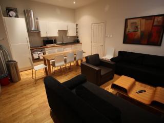 3 Bedroom apartment Covent Garden - Sleeps 10 (LGA - London vacation rentals