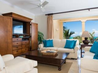 3rd Floor Deluxe 2 Bedroom Ocean Front Villa #304 - Grace Bay vacation rentals