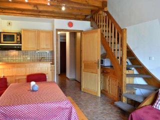 CORNILLON A Studio small bedroom + mezzanine 6 persons 408/042 - Le Grand-Bornand vacation rentals