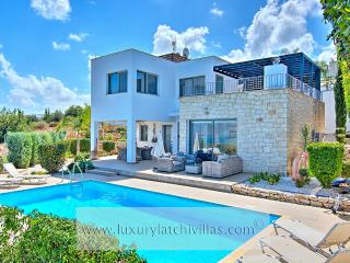 Wonderful Villa with Dishwasher and Toaster - Neo Chorion vacation rentals