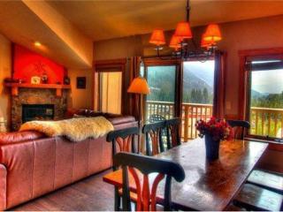 Idyllic 3 BR/3 BA House in Keystone (2317 Red Hawk Lodge 3 bd, 3 bth. Steps to Gondola. 10% off.) - Keystone vacation rentals
