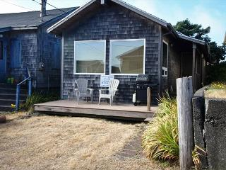 BY THE SEA ~ Cozy Cottage, just steps to the beach!! - Rockaway Beach vacation rentals