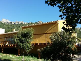 Etape Cathare sous Peyrepertuse en Pays Cathare - Duilhac vacation rentals