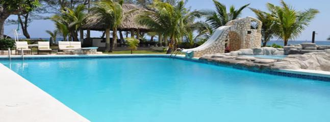 Bright 4 bedroom House in Mammee Bay - Mammee Bay vacation rentals