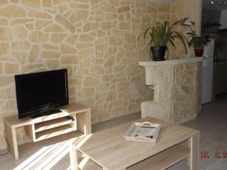 appartement F3 dans maison familiale - Lattes vacation rentals