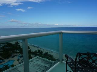 THE TIDES OCEANFRONT 2/2 ON THE 12TH FL - Hollywood vacation rentals