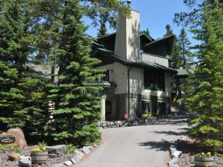GRANDVIEW CHALET B&B - Canmore vacation rentals