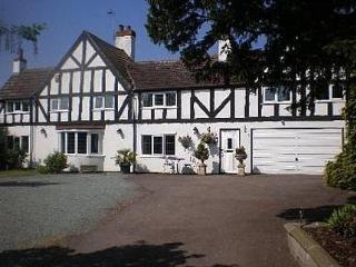 Newark Lodge Guest House - Nottingham vacation rentals
