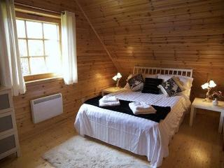 Benview Lodge 4 - Luxury Lomond Lodge 4 & 5 - Charming pine lined lodges, 3 - Gartmore vacation rentals