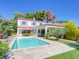 Spacious 6 bedroom Villeneuve-Minervois House with A/C - Villeneuve-Minervois vacation rentals