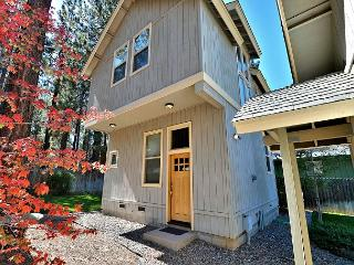 Custom South Lake Tahoe Cottage for 6 – Close to Parks and Beaches! - South Lake Tahoe vacation rentals