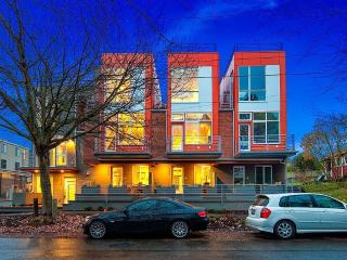 Stunning Views , Perfect Location 2 Bedroom - Seattle vacation rentals