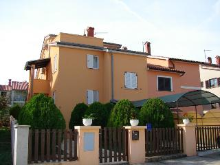 Nice House with Television and Satellite Or Cable TV - Banjole vacation rentals