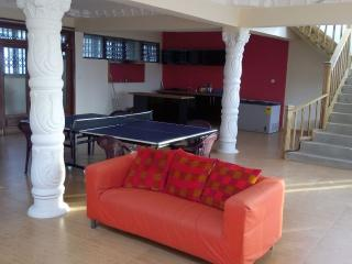 7 Ensuite Rooms - The Flower Villa - Accra vacation rentals