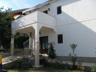 Nice Apartment with Television and Satellite Or Cable TV - Gornji Karin vacation rentals